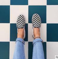 ingrosso uomini di scarpe da tennis-2018 WomenMen Canvas Shoes Fashion Skate Scarpe casual Donna a scacchi Slip in Basket Appartamenti Tenis TAGLIA 35-44