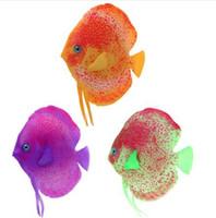 ingrosso pesci falsi pesci-Simulazione acquatica incandescente Pesci tropicali galleggianti Moveable Fake Fish Tank Giocattoli Simulazione Paesaggio Decorazione acquario Ornamen