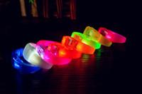 ingrosso braccialetti principali-Led lampeggiante in silicone Braccialetto Light Up Bangle Wristband Strap Band Night Club Attività Party Bar Disco Regalo di Natale VELOCE VELOCE