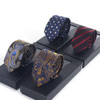 gravatas verdes prateadas venda por atacado-Laços dos homens Nova Marca Homem Moda Dot Listrado Gravatas Hombre 6 cm Gravata Gravata Fina Clássico Business Casual Tie Verde Para homens