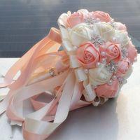 ramalhete de rosa de cetim de marfim de casamento venda por atacado-Festivo Coral Rosa Marfim Champanhe Cetim Rose Festival Ponto Bouquets Fita Personalizada Buquê De Noiva Buquê De Flores Opção De Cor