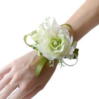 hermosas manos pulseras al por mayor-Envío libre hermosa nupcial muñeca flor ramillete dama de honor hermanas mano flores boda Prom Artificial seda flores pulsera JM0178