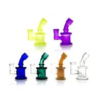 tuberías de agua púrpura gruesa al por mayor-Mini Bong púrpura Bongs Bongs de pipas de agua de vidrio Vidrio grueso de Pyrex con vaso de precipitados hembra de 14 mm Bong plataforma pequeña de aceite