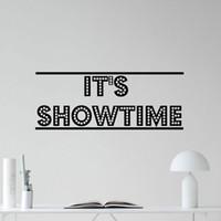 decalques murais removíveis venda por atacado-É Showtime Decalque Da Parede do Cinema Em Casa Cinema Filme Vinyl Sticker Decor Quotes Murais Removíveis À Prova D 'Água Da Marca Papel De Parede B654