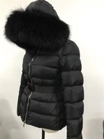 siyah kış parka kadınlar toptan satış-2019 M Kadın Aşağı Ceket Siyah Gerçek Büyük Rakun Kürk Yaka Aşağı Ceket Kapşonlu Kemer Kalın kış Parkas