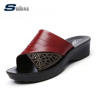 обувь для дома оптовых- Slippers Women Leather Breathable Mesh Outdoor House Slippers Women Casual Shoes Fashion Cool Slippers AA10116