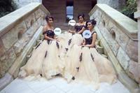 şampanya siyah nedime elbiseleri toptan satış-Arapça Dubai Stiller Onur törenlerinde Black Aplikler Gelinlik Modelleri A Line Off Omuzlar Tül Uzun Maid Modern Champagne