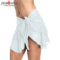 ingrosso fondo bianco bikini sexy-SEBOWEL Sexy Bianco / Nero Mini gonna con volant arricciato Donne 2018 Cravatta laterale con bottoni a vita bassa Bikini Bottoms Biquini Parte Inferiore Gonna