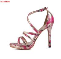 as bombas das mulheres abrem os sapatos individuais venda por atacado-Rosa vermelha mulher sandálias verão moda cruz amarrado sexy bombas cobrir calcanhar dedo aberto das mulheres de salto alto partido único sapatos tornozelo fivela
