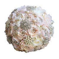blumenstrauß champagner großhandel-Hochzeit Bouquet Kristall Champagner Rose Perlen Hochzeit Blumen Braut Blumen Brautjungfer Bouquet Handgemachte Brosche Zubehör Großhandel