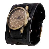 braune manschetten großhandel-Durable New Design Watch Männer Retro Punk Rock Braun Schwarz Big Wide Leder Armband Manschette Herrenuhr Cooles Geschenk Uhr Armbanduhren