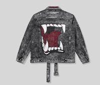 chaqueta de otoño de la vendimia al por mayor-Para la temporada de otoño 2018 de los hombres, la nueva marca de moda de agua de lavado de agujeros hace que los viejos hombres de la impresión de la boca chaqueta de los pantalones vaqueros de los hombres