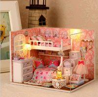 ingrosso scatole in miniatura della stanza della bambola-1 PZ Serie Felice FAI DA TE In Legno Casa di Bambola Camera Scatola Fatti A Mano 3D Miniature Dollhouse Giocattoli Educativi In Legno Regali Ragazza
