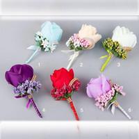 flores boutonnieres al por mayor-2019 Accesorios para novios 6 colores mejor hombre Flor de seda Dama de honor Rose Ramillete de seda Caballero Rose Boutonniere Ramos de novia baratos