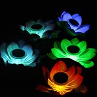 ingrosso ha portato loto artificiale-Artificiale LED Lotus Lamp Energia solare esterna impermeabile Cambia colore Galleggiante Wishing Light Per la decorazione della festa nuziale Forniture 12cg AAA