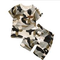 ingrosso neonato regali per i ragazzi-2018 New Summer Army Camouflage Baby Boy Girl Cotton Short T-shirt pantaloncini 2 PZ Top neonato Set di abbigliamento Regalo Abiti Abbigliamento per bambini
