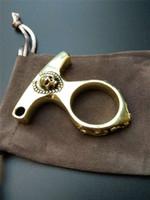 Skull Brass Key Chain EDC Finger Ring Brass Knuckles Broken Window Portable KeyPendant Emergencyset