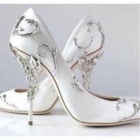 zapatos de fiesta de novia azul al por mayor-2019 Zapatos de boda de moda rosa azul nupcial Bombas eden puntiagudas Mujer tacones altos 9 cm con hojas zapatos para la noche Cóctel fiesta de graduación