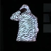 abrigos de cebra al por mayor-Spring Lovers Plus Size 2018 Chaqueta para hombre Casual Hip Hop 3M Chaquetas reflectantes Female Hooded Zebra Pattern Stripe Capa fluorescente