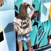 chaqueta de raso de oro al por mayor-2018 Champagne Gold Bomber Jacket Back SÓLO QUEEN Crown Letter Print Otoño Abrigos básicos para Lady Satin Silk Womens Abrigos abrigos