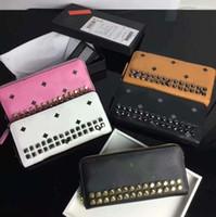korea langes leder großhandel-Nietenbesetzte Herren-Lederbrieftasche Koreas hochwertiges, langes Reißverschluss-Kartenpaket mit hoher Kapazität