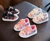 ingrosso carino scarpe da bambino rosa-2018 Cute Baby Shoes per ragazze Soft Mocassini Shoe Spring pink Flower Baby Girl Sneakers Toddler Boy Shoes Prima scarpa Walker