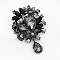 Wholesale vintage black rhinestone brooch - Elegant Large Brooch Vintage Fashion Black And Grey Big Glass Waterdrop Pendent Dangle Women Brooch Lady Clothes Pins Broaches