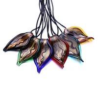 colgante de polvo de oro al por mayor-2018 Nueva Llegada Forma de la Hoja de Polvo de Oro Murano Lampwork Glass Summer style Lucky Collar Pendiente para Mujeres Regalos Joyería de Verano