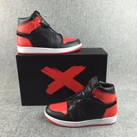 ingrosso scala bianca nera-Scarpe da pallacanestro 1s Chicago Scales Nero Rosso Bianco Mens Sneakers sportive in pelle nera Nuove scarpe firmate taglia 40-46
