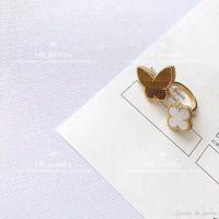 v yüzük tasarımları toptan satış-Yüksek sürüm kelebek Dört Yaprak Çiçek Doğal Kırmızı Akik yüzük bayan Tasarım Kadınlar için Parti Düğün Lüks V Takı kutusu ile