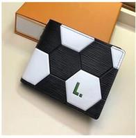 billeteras de fútbol al por mayor-Fútbol de cuero genuino de las mujeres de los hombres carteras corto tarjeta negro titulares de dinero bolsa de deporte Fahshion señora carteras envío gratis