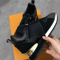 marka ayakkabıları toptan satış-Marka mens Tasarımcı sneakers unisex eğitmenler ayakkabı erkekler için koşu ayakkabıları bayan koşucular daireler Hakiki Deri marka racer lüks ayakkabı w01