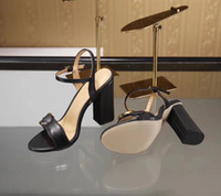 sandálias de salto preto grossas venda por atacado-2018 nova chegada das mulheres de moda de salto alto sandálias de couro macio camurça casual sandália preta sapatos senhora ao ar livre saltos tamanho grande 42 41 40 verde