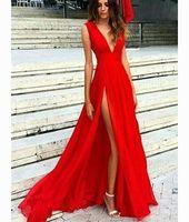kırmızı elbise uzun kesik tarafı toptan satış-2018 Seksi Düşük V Boyun Bir çizgi Uzun Abiye Glamorous Kırmızı Yüksek Yan Yarık Balo Parti Elbiseler Kırmızı Halı Ünlü Elbise Abiye giyim
