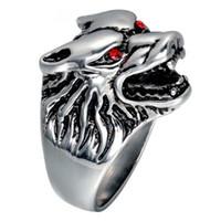 anillo de ojo rojo al por mayor-Wolf Head Red Eyes Ring Acero inoxidable con incrustaciones Red Crystal Mens Ring Estilo occidental Cinco tamaños opcionales