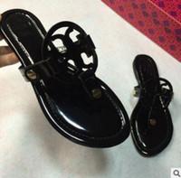 Wholesale patent flip flops - 2018 Black flip-flops shiny patent Genuine Leather Brand New Women Thong Sandals Summer Women Famous Flip Fllops