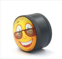 sourire alliages métalliques achat en gros de-Nouveau broyeur en métal de vente chaud, visage souriant créateur, trois couches de machine de fumée, moulin en alliage de zinc 3D