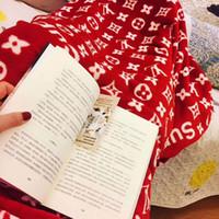 flanell s großhandel-S Brief Beliebte Logo Decke Klimaanlage Baby Schlafdecke Flanell Tuch Frühling Und Herbst Bein Decke