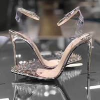 zapatos de tacón de cristal al por mayor-Nuevos zapatos de tacón alto con fondo rojo Piel genuina Bombas de mujer de cristal Tacones altos Punta estrecha Remache Zapatos de boda Completo Embalaje original