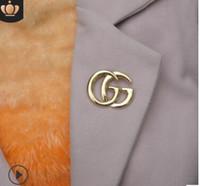 güzel broş toptan satış-2018 Unisex Moda Avrupa ve Amerika Lüks Tasarımcı Pimleri Broş Altın Kaplama Erkekler Kadınlar için Sonu Broşlar Iğneler Parti Düğün için Güzel