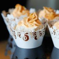 ingrosso pizzi-Halloween Color Greaseproof Baking Cup Hollow Circumference Originalità Pizzo Torta Involucri Fodere Decorazione Avvolgi involucro di carta 0 34qz gg