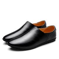 87193c3c822836 2017 Urban Männer Leder Hausschuhe Handgemachte Männer Kleid Schuhe  Komfortable Soft Fahren Business Slipper Schwarz Gelb Weiß