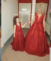 nuas little girl vestidos venda por atacado-V Neck A line Espumante Brilhante Sem Mangas Vermelho Bonito Pode Ser Feito Para A Menina Vestidos de Noite Vestido de Noite