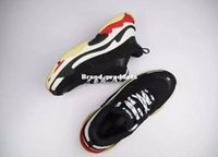 Wholesale Men S Pointed Shoes - 2017 High Quality Unveils New Triple S Sneakers,High Fashion Spec Trainers,women&men Tripe-S retro Training Sneakers Shoes size 36-45
