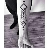 gefälschte wasserdichte tattoos großhandel-Wasserdicht Temporäre Tattoo Aufkleber große Raute Quadrat Totem Tattoo Flamme Tatto Aufkleber Flash Tatoo gefälschte Tattoos für Männer