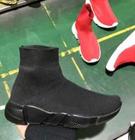 sapatos casuais sapatos plana venda por atacado-Marca de Alta Qualidade Unisex Sapatos Casuais Moda Plana Meias Botas Mulher Novo Slip-on Pano Elástico Speed Trainer Runner Homem Sapatos Ao Ar Livre