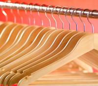 le crochet en bois achat en gros de-Cintre en bois massif avec cintres non antidérapants - Cintre en bois avec crochet en métal pour vêtements
