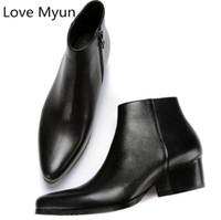 mens botas de cuero de invierno al por mayor-Otoño invierno nuevo mens botas de cuero genuino tacones altos punta estrecha cremallera botines altos zapatos de los hombres más el tamaño 36 44