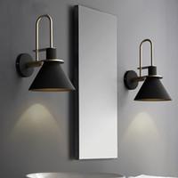 lámparas de noche de hierro al por mayor-Nordic Lámpara de pared Lámpara de noche Dormitorio Sala de estar moderna Pasarela Escalera Simple cinturón de hierro Lámpara de pared
