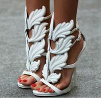 ingrosso tacchi alti in oro giallo-Designer Cruel Summer Leaves Angle Wings Shoes Donna Buckle Strap Gladiator Tacchi alti Sandali Donna Oro Argento Giallo Bianco Rosso